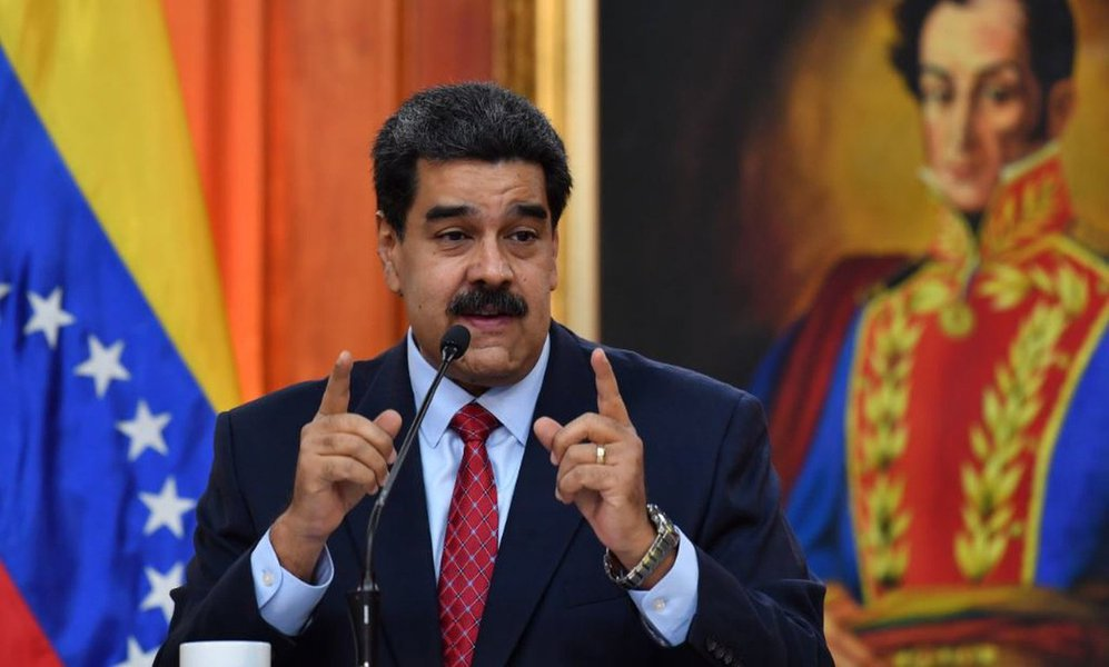 """Maduro: Forças Armadas estão espalhadas para """"garantir a paz e a defesa integral do país"""""""