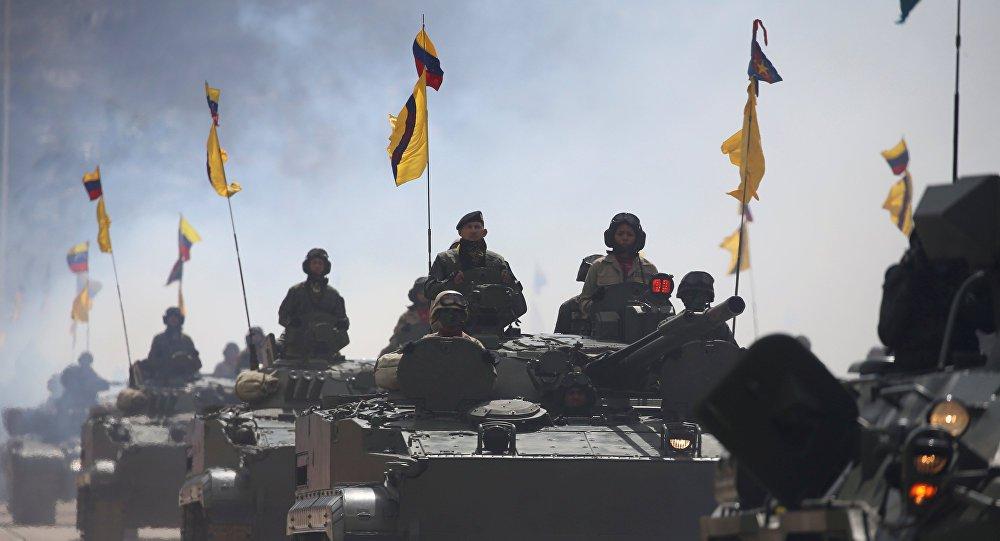 Diplomata venezuelano denuncia que EUA armam 'exército' invasor a partir da Colômbia