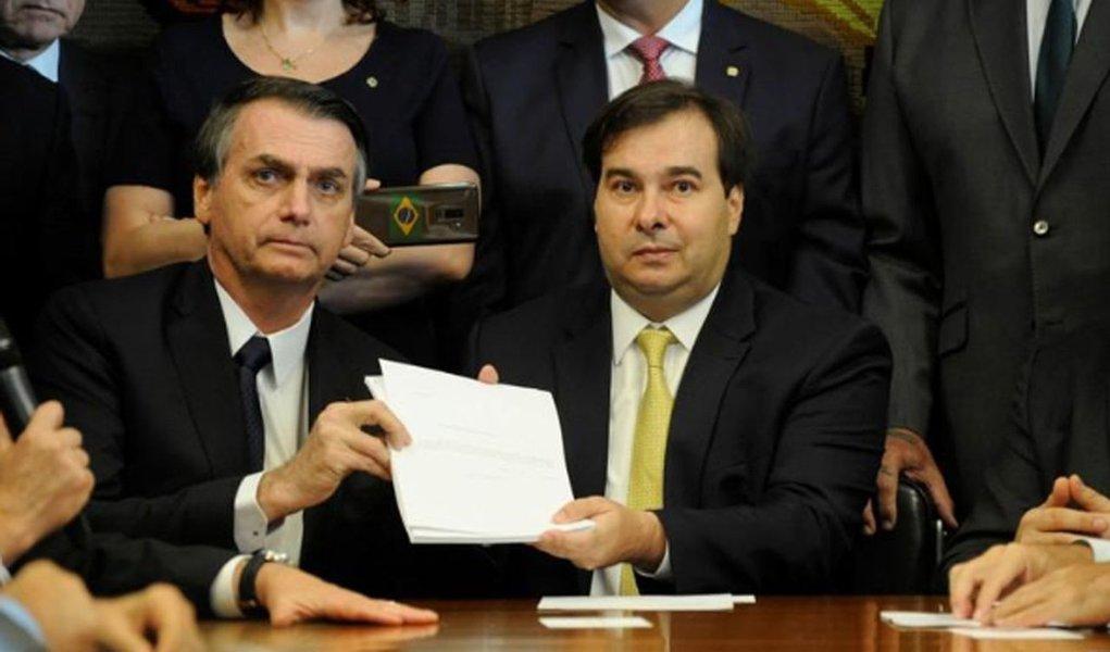 Sem a facada, Bolsonaro não teria sido eleito, avalia Rodrigo Maia
