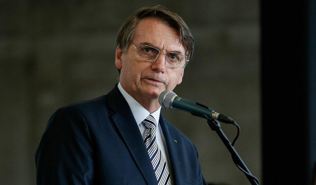 Para evitar derrota, Bolsonaro revoga decreto sobre lei do sigilo