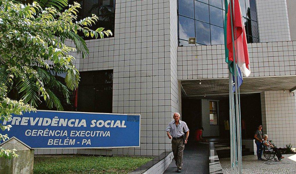Técnico de enfermagem a Bolsonaro: 'até os 65 eu não vou aguentar'