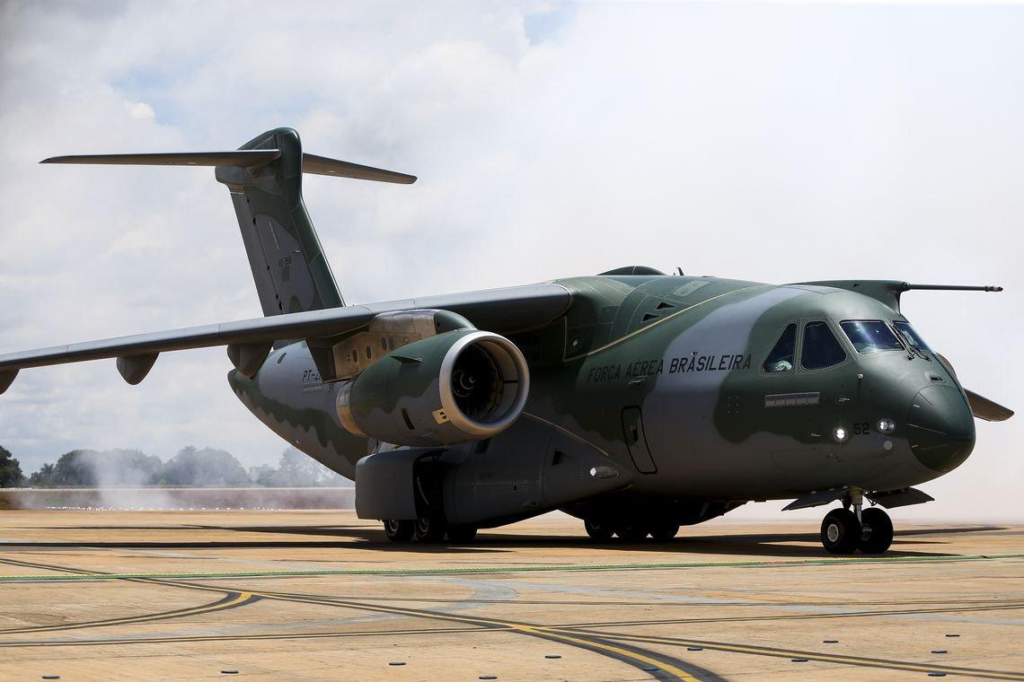 Acionistas da Embraer aprovam fusão com a Boeing
