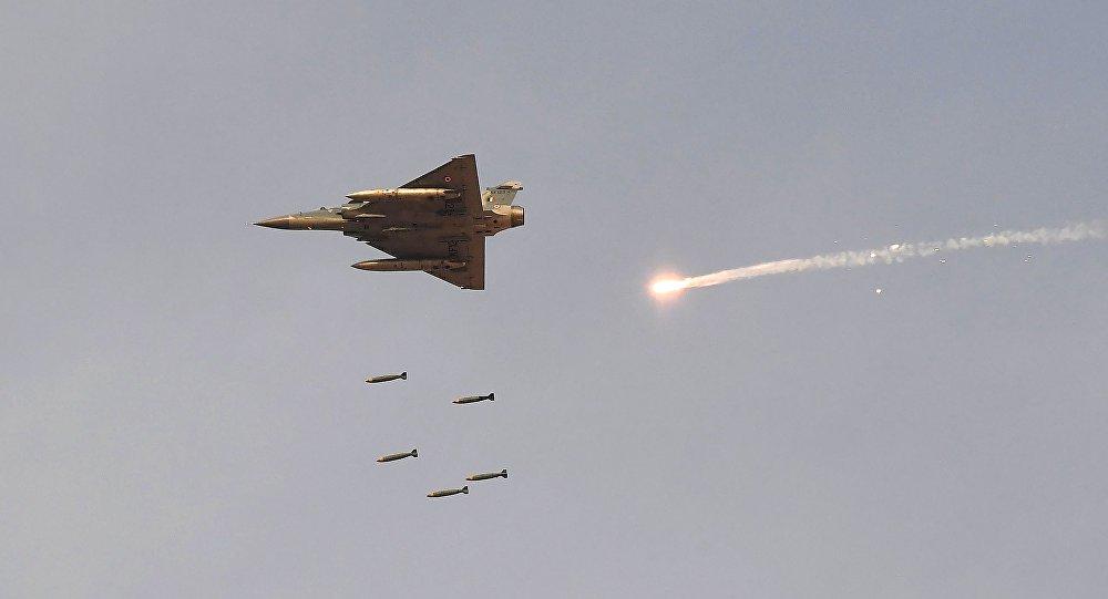 Índia faz ataques aéreos no Paquistão contra supostos terroristas