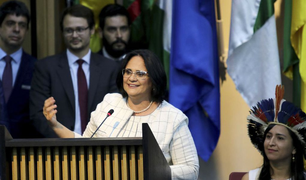 Damares 'esquece' de Marielle em discurso na ONU