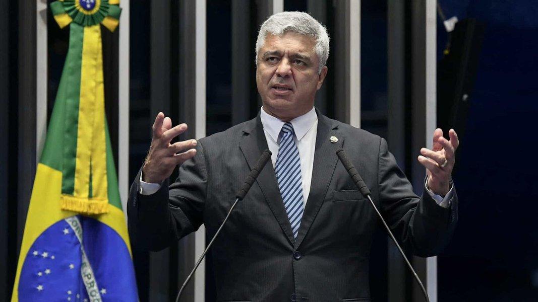 Em meio ao laranjal do PSL, líder do partido propõe fim de fundo eleitoral
