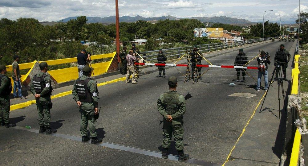 Oposição prepara confrontos com tropas venezuelanas e tensão sobe na fronteira