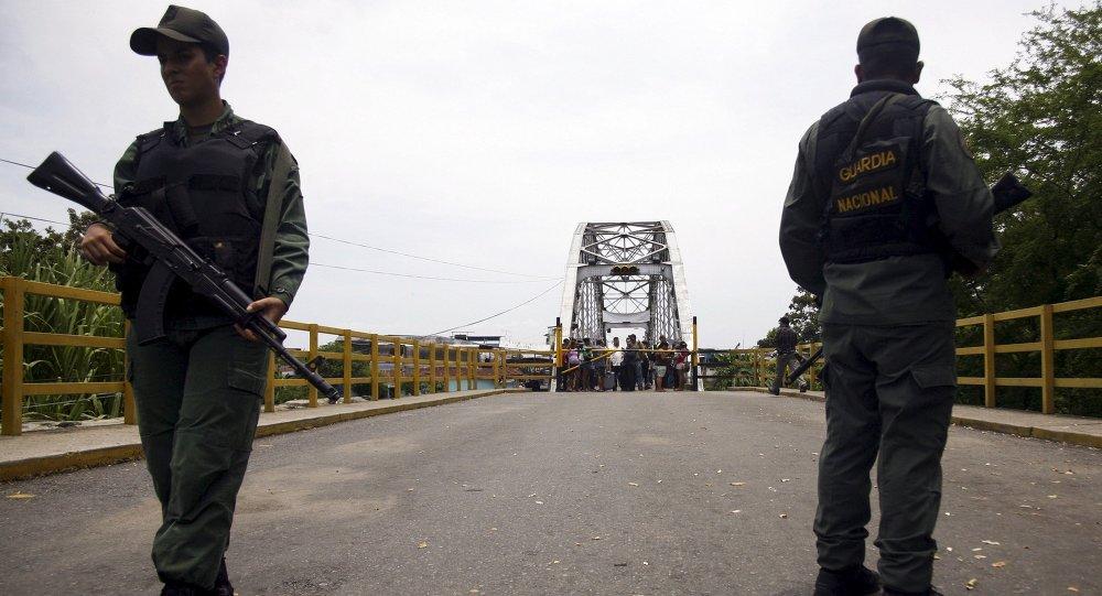 Venezuela também fecha fronteira com a Colômbia