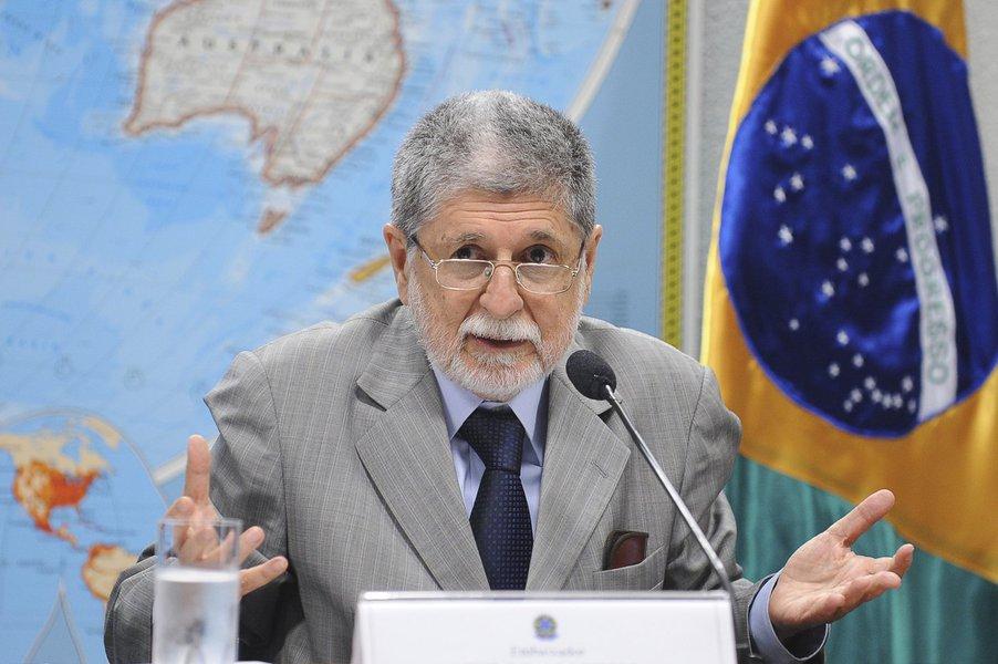'Complexo de vira-lata', diz Celso Amorim sobre submissão de Bolsonaro aos EUA