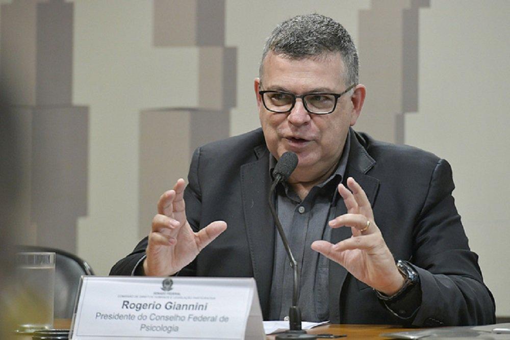 'Manicômio dá muito lucro', denuncia presidente do Conselho Federal de Psicologia