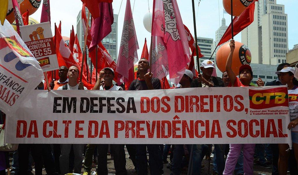 Reforma de Bolsonaro cria aposentadoria menor que mínimo
