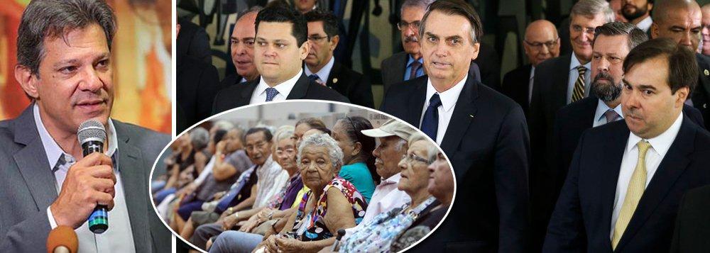 'Bolsonaro cria uma legião de idosos pobres', diz Haddad sobre reforma
