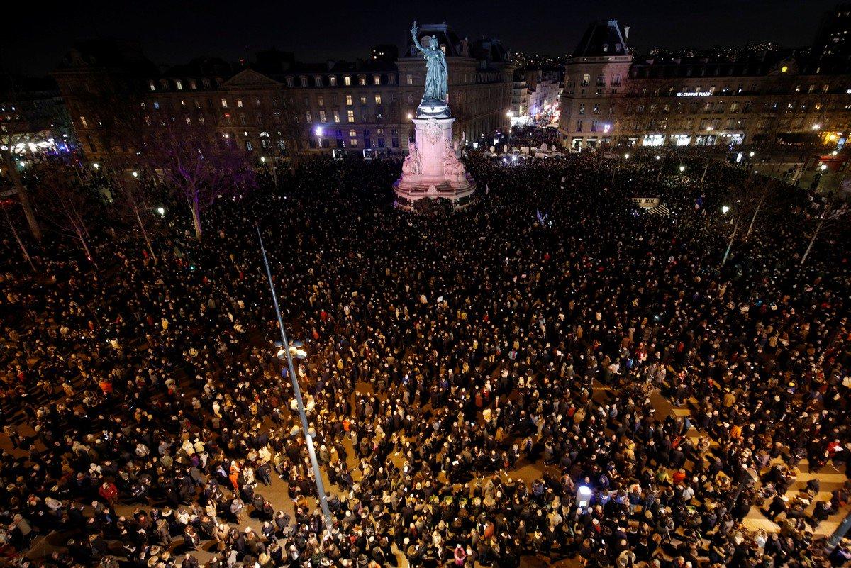 Franceses realizam manifestações contra antissemitismo
