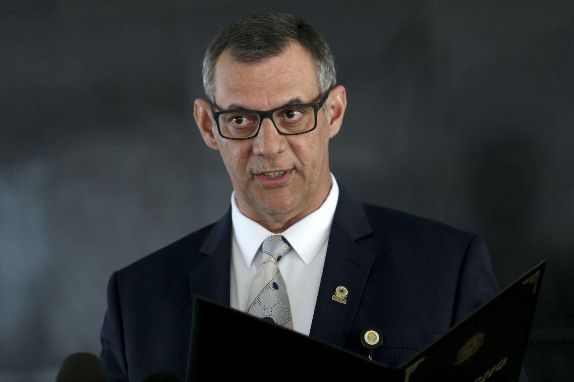 Porta-voz de Bolsonaro ignora perguntas sobre áudios: 'É preciso olhar pra frente'