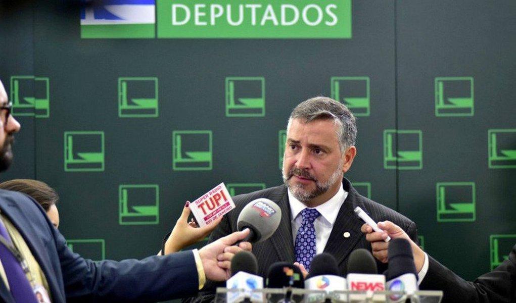 Pimenta diz que áudios mostram que Bolsonaro mentiu e cobra providências do MP