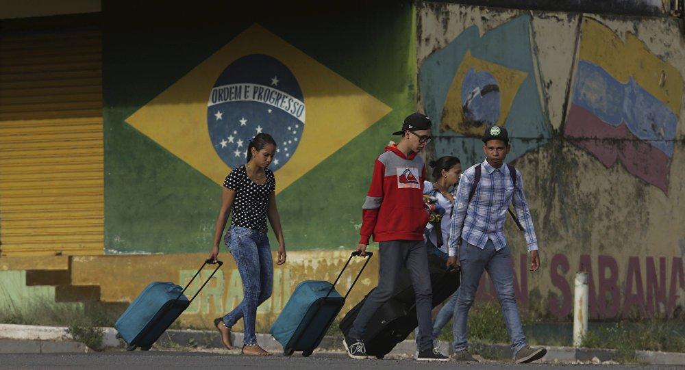 Bolsonaro mantém missão de 'ajuda humanitária' à Venezuela mesmo com fronteira fechada