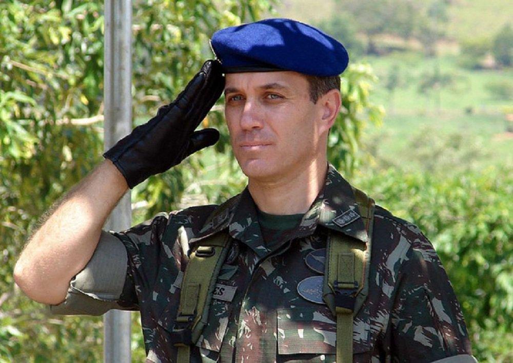 General brasileiro será subordinado ao Exército americano