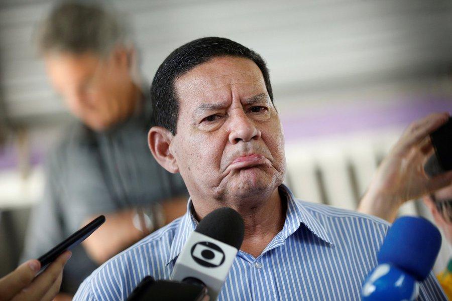 Venezuela: EUA pressionam, Mourão resiste