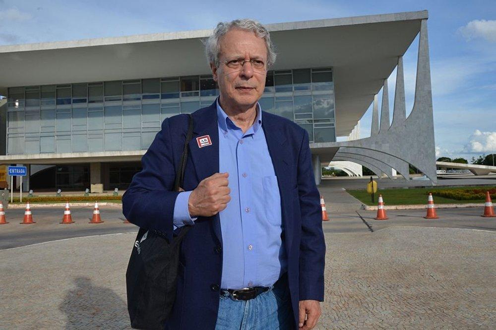 Frei Betto: governo 'vestiu a carapuça' ao usar Abin para monitorar Sínodo