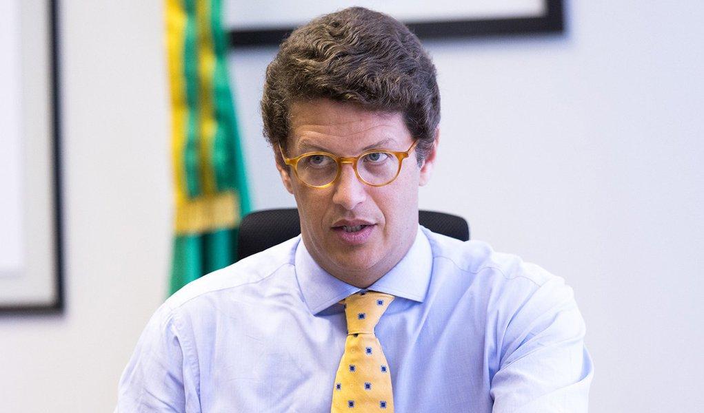 Conselheiros do Conama são agredidos em reunião presidida por Salles