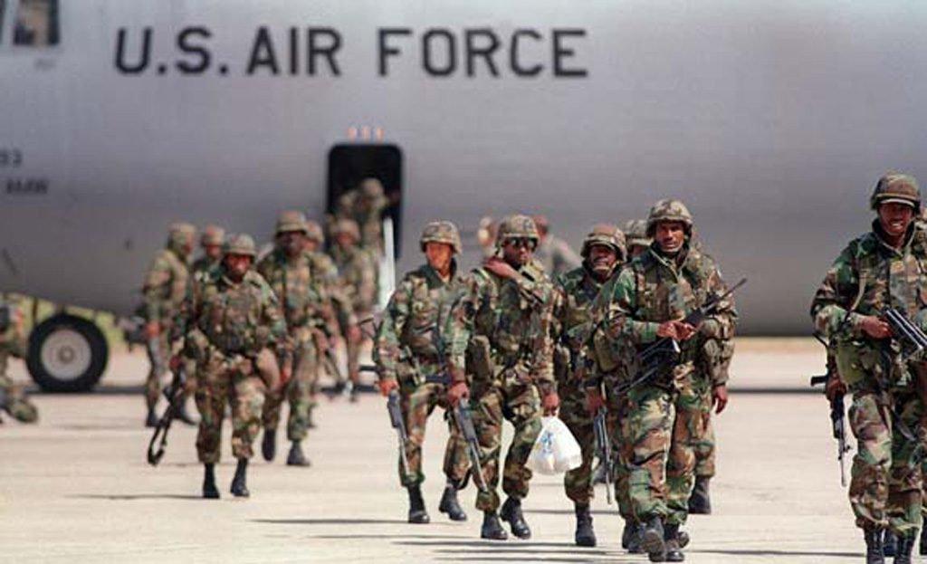 Cuba denuncia que EUA já mobilizam tropas para 'aventura militar' na Venezuela