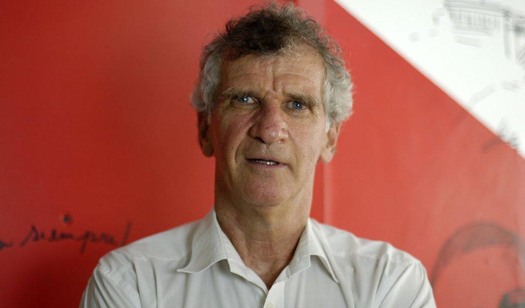 Economista Paulo Kliass afirma que problema da Previdência não é estrutural