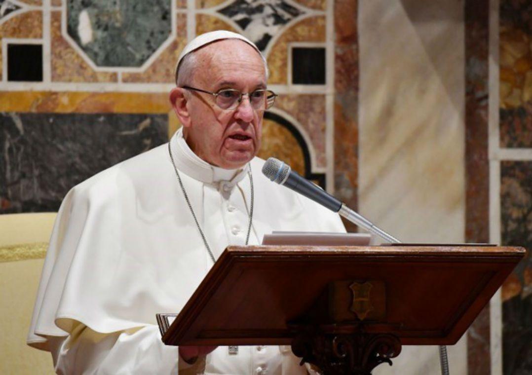 Em decisão inédita, Papa expulsa cardeal norte-americano acusado de abusos sexuais