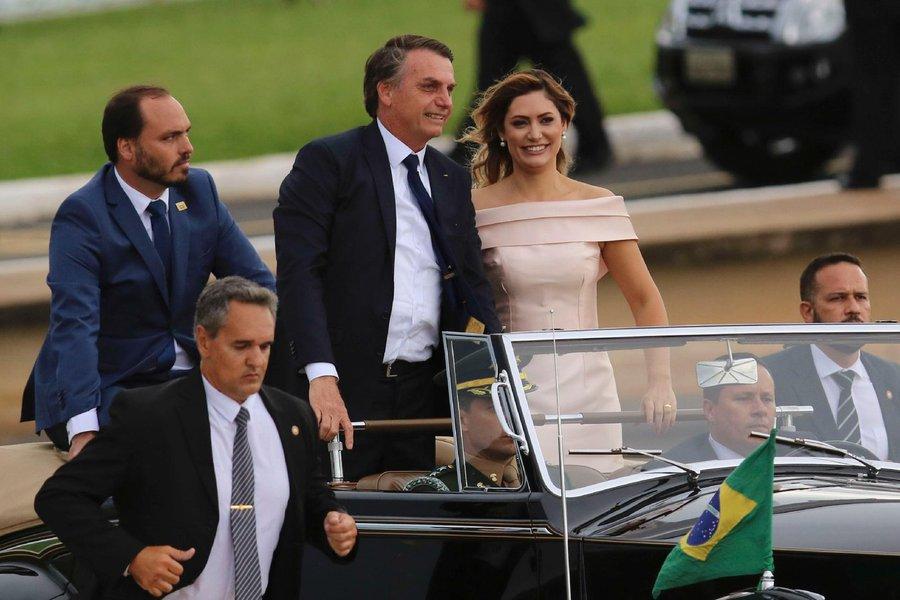 Bolsonaro tem que demitir o filho