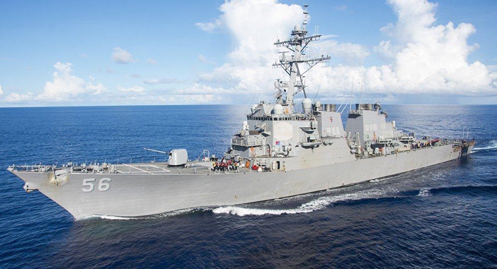 Almirante da Marinha dos EUA apela para ofensiva contra Rússia e China