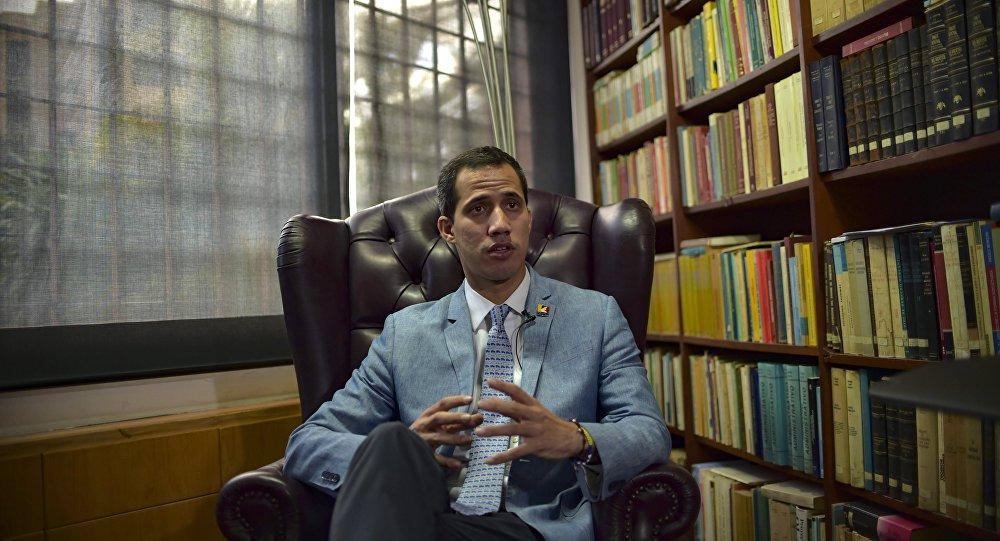 Guaidó cogita autorizar ataque militar dos EUA à Venezuela