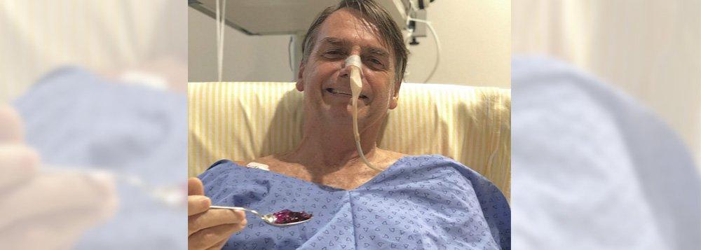 Com pneumonia, Bolsonaro se diz alegre por voltar a comer