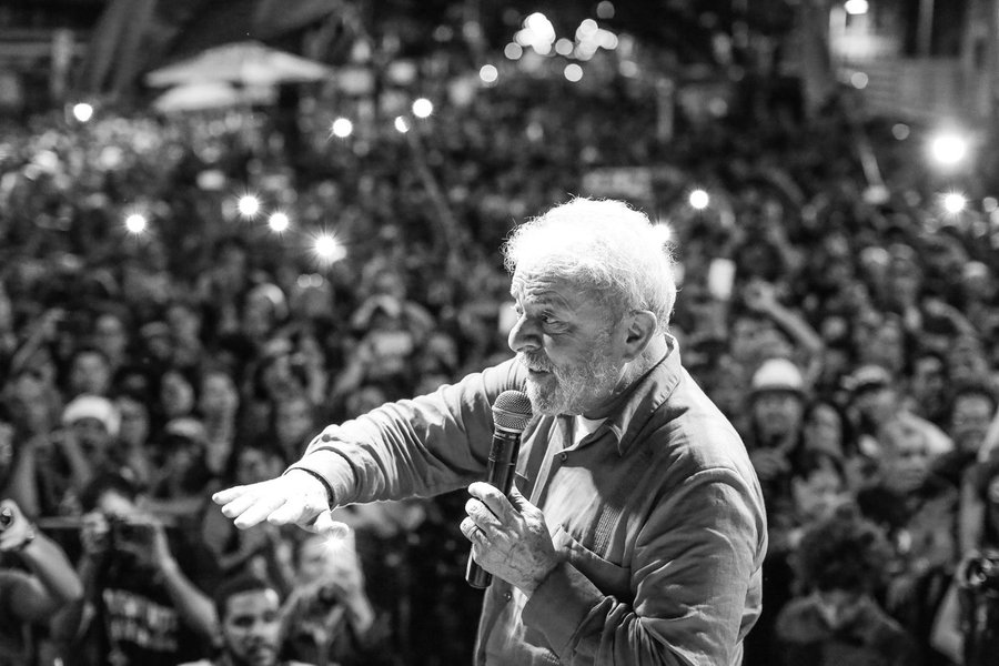 Crime de Lula foi ter posto o Brasil acima de tudo