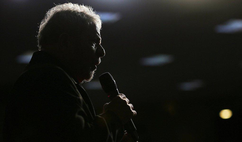 Por falar em liberdade de expressão, cadê as entrevistas com Lula?