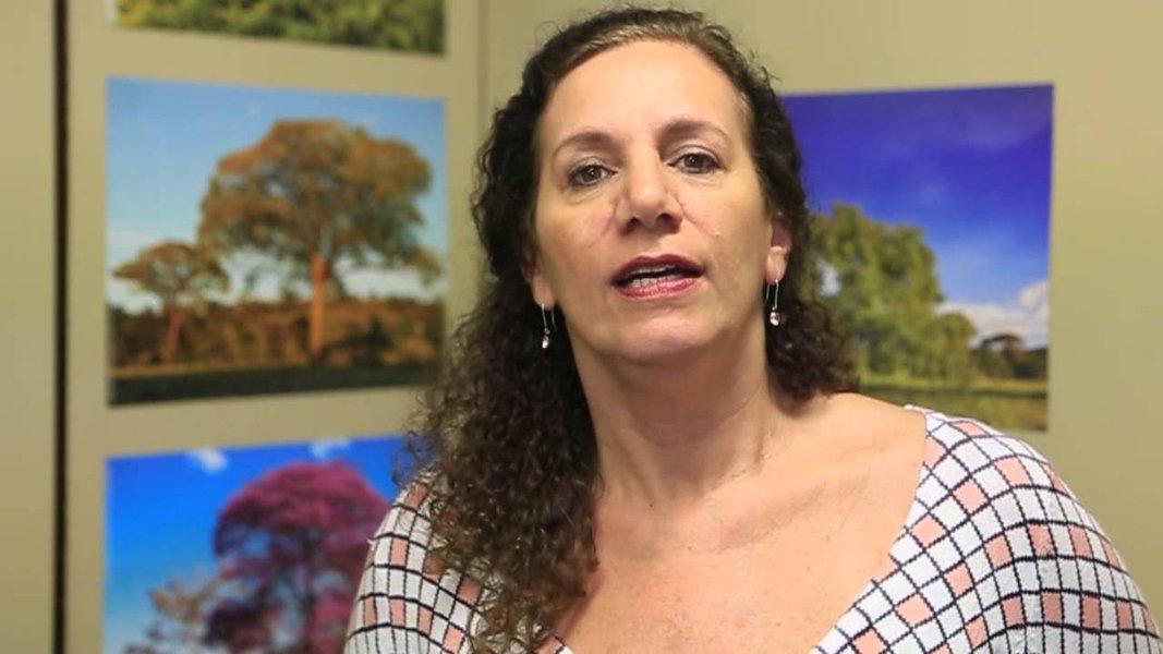 Jandira critica proposta que autoriza passageiros armados em vôos comercias