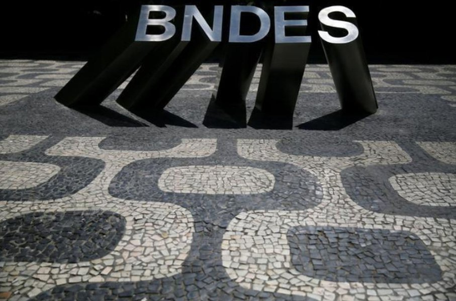 Tio Sam copia Getúlio e Lula criando seu BNDES