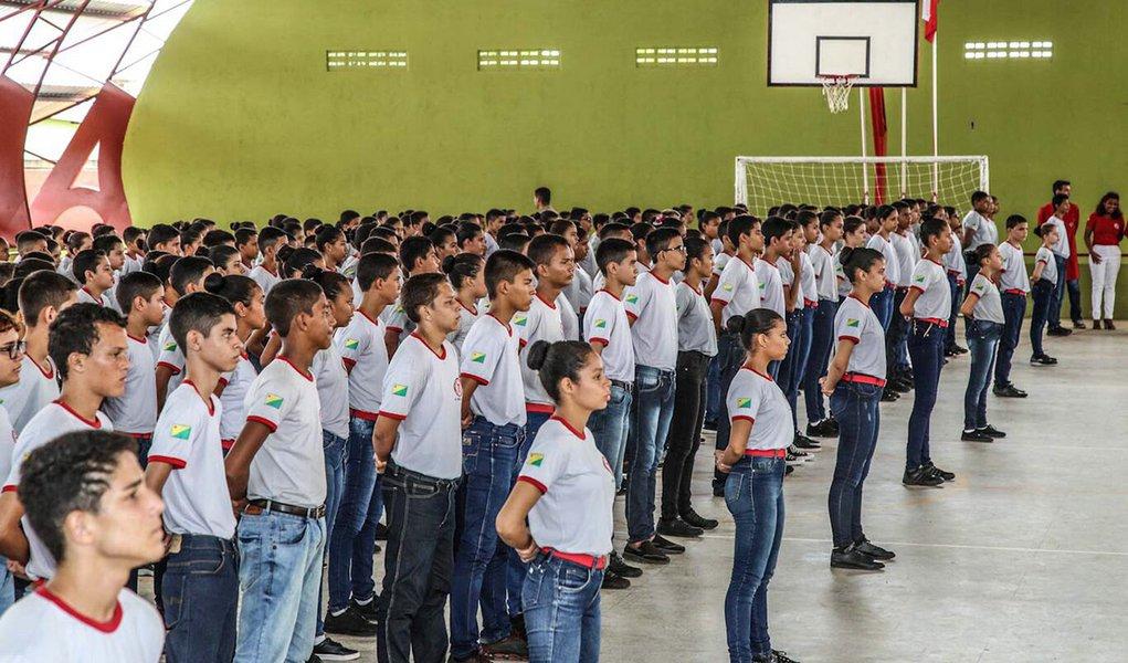 Queridinhas de Bolsonaro, escolas militares não terão corte de verbas