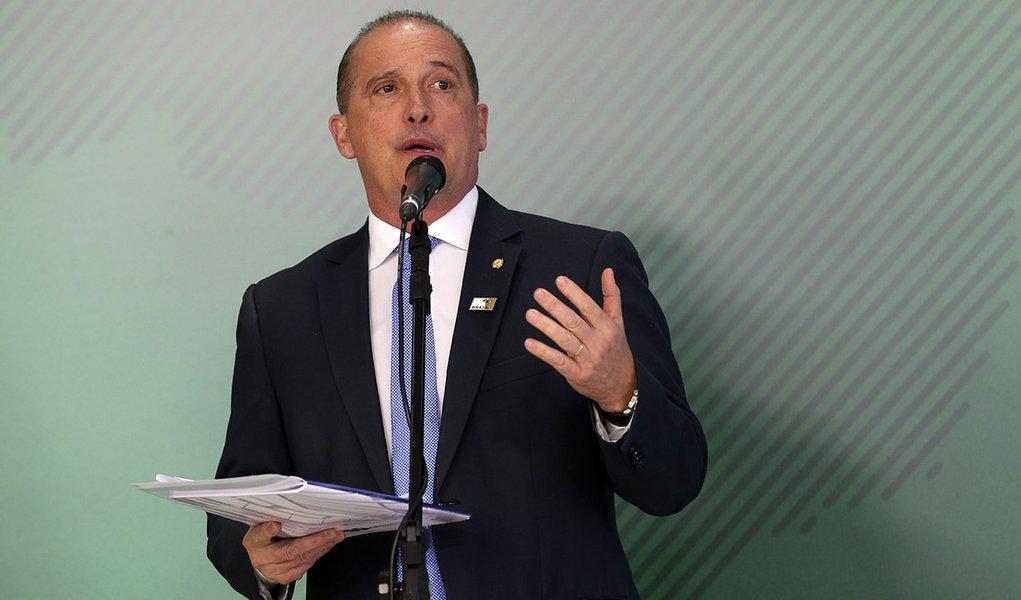Onyx insinua que Bolsonaro vai para o DEM, que integra o centrão