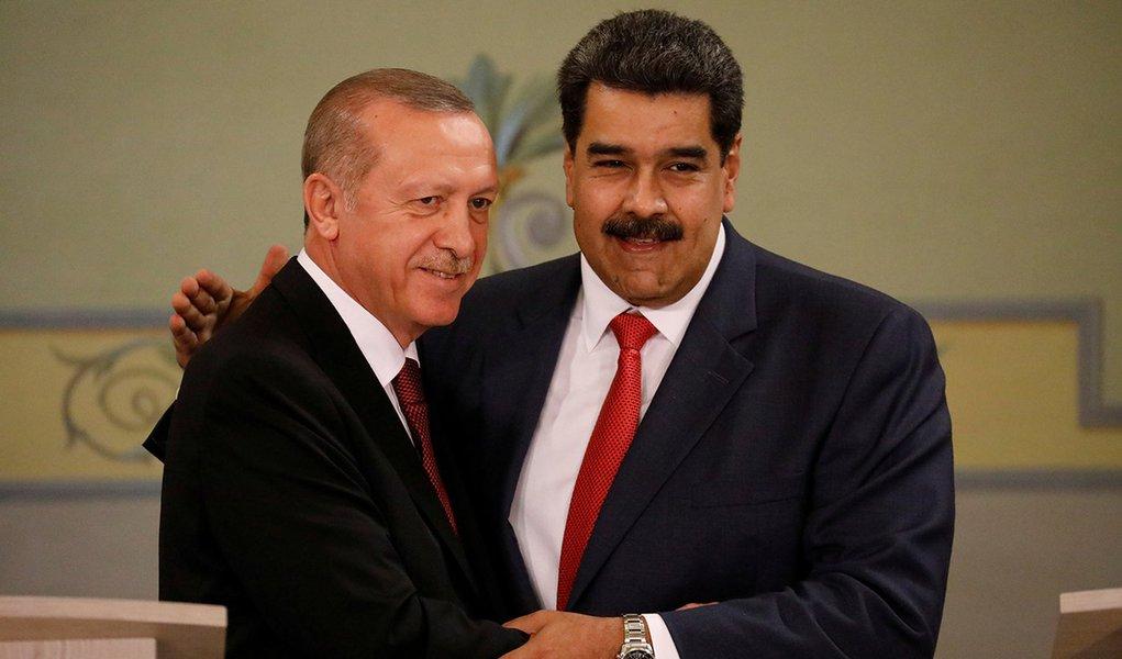 Erdogan diz que União Europeia quer derrubar Maduro