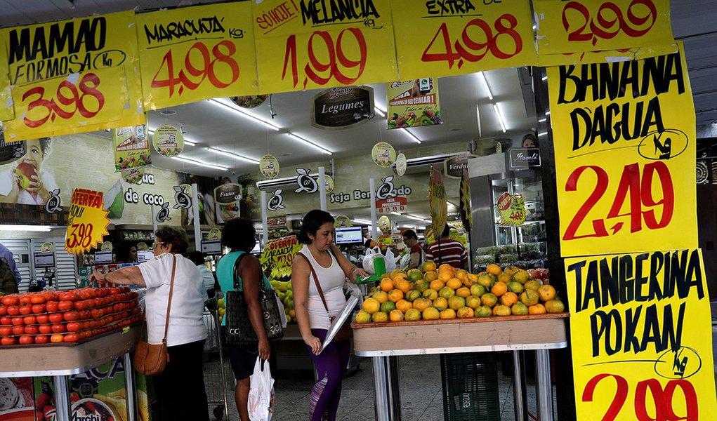 Inflação para famílias mais pobres sobe no 1º mês de governo Bolsonaro