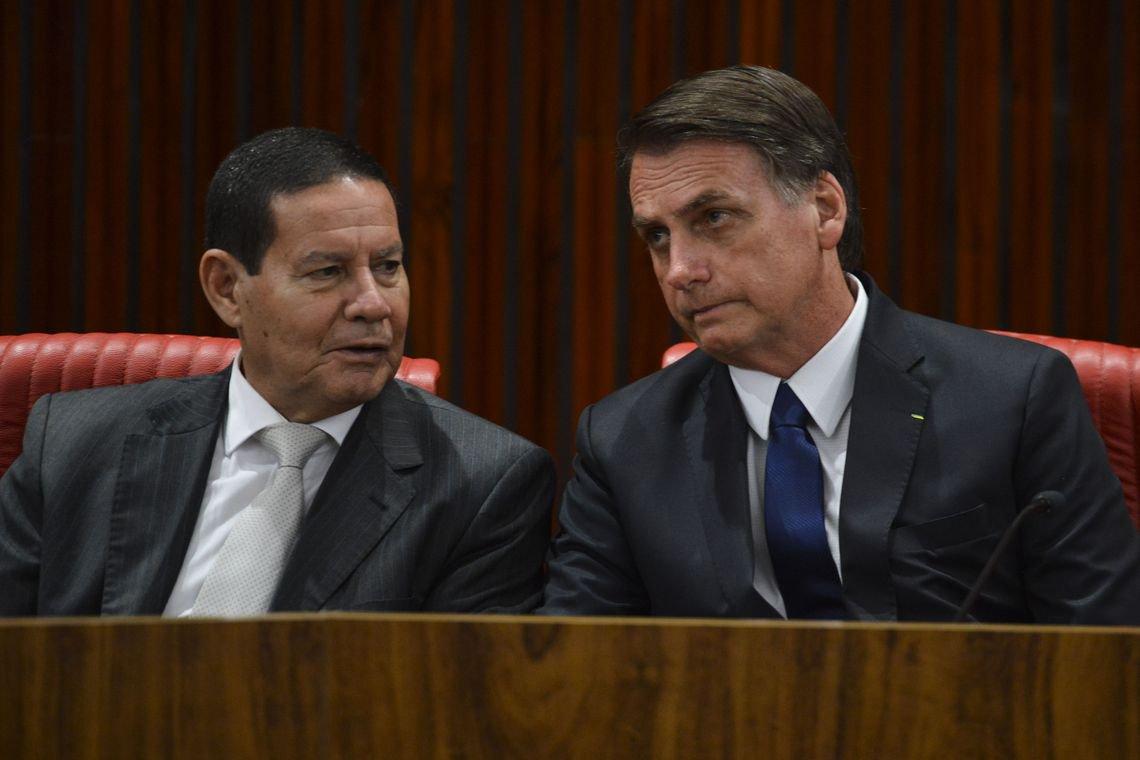 Bolsonaro exclui Mourão de mensagem ao Congresso