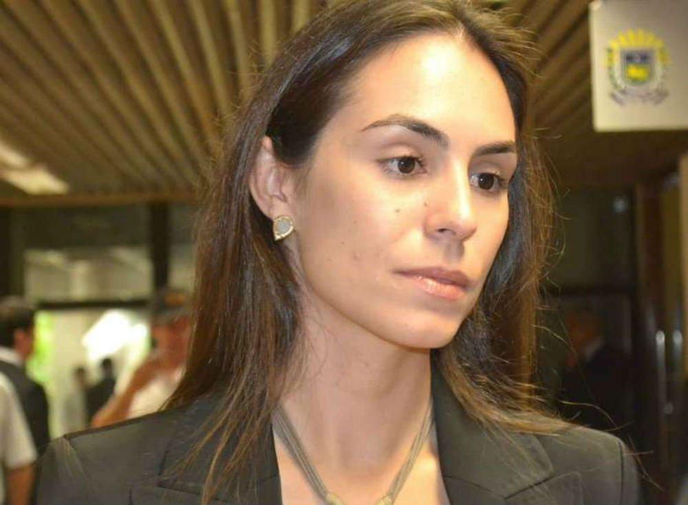 Secretária de Assuntos Fundiários diz que índios não foram os primeiros habitantes do Brasil