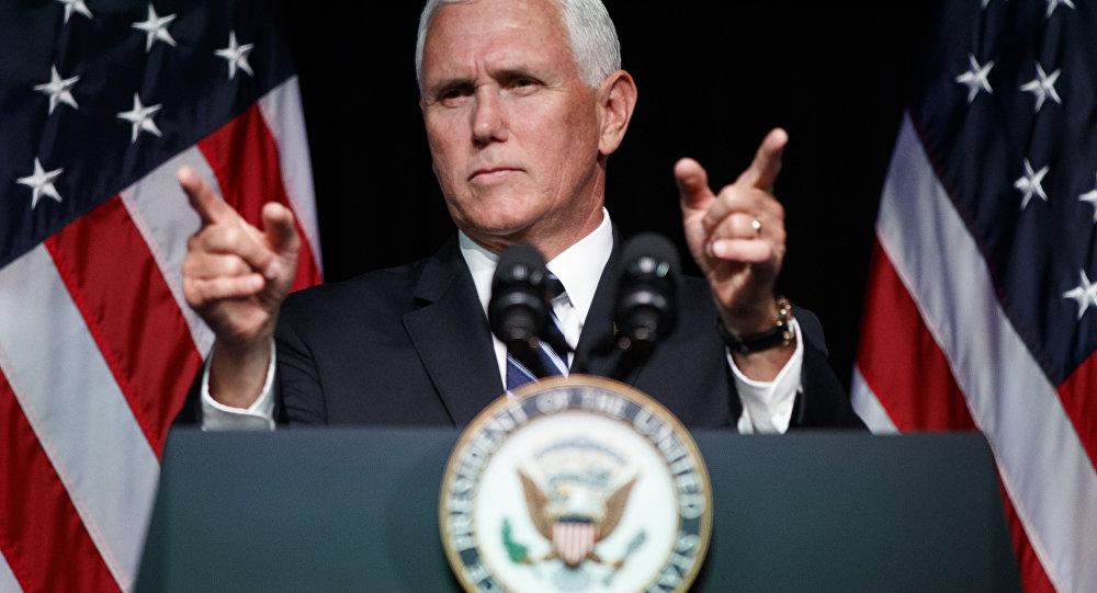 'Não é hora de diálogo, é hora de ação', diz Mike Pence sobre a Venezuela