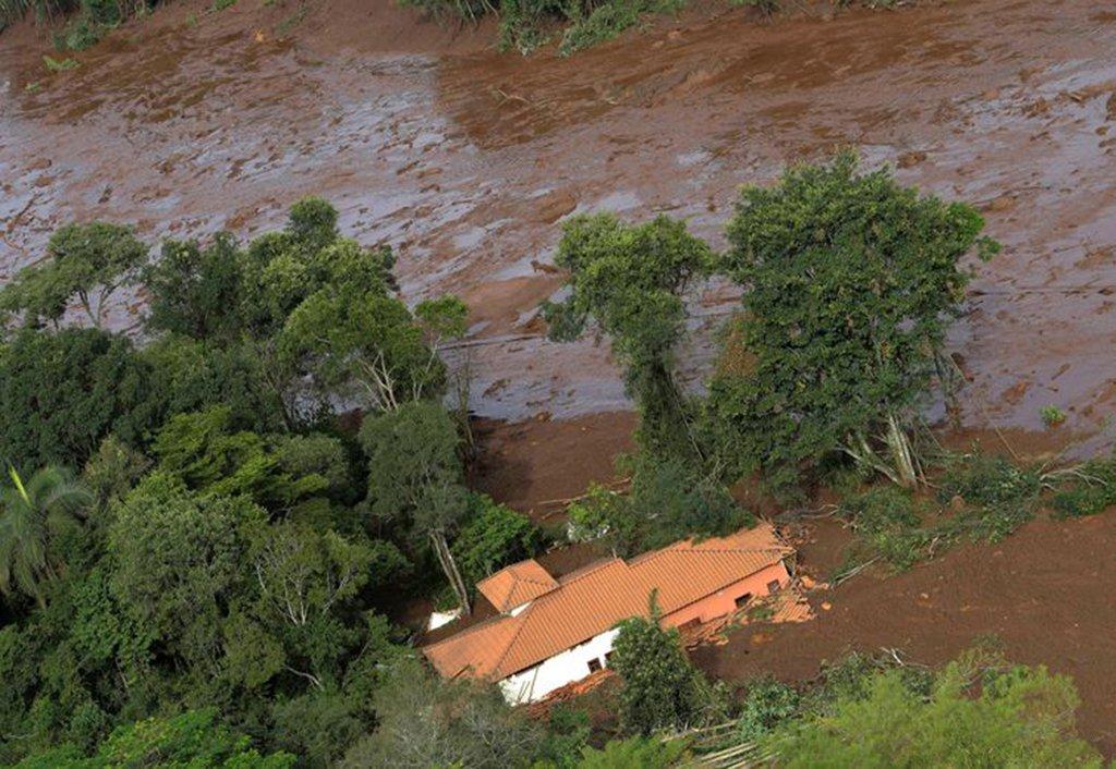 3,5 milhões de pessoas vivem em cidades com barragem de risco