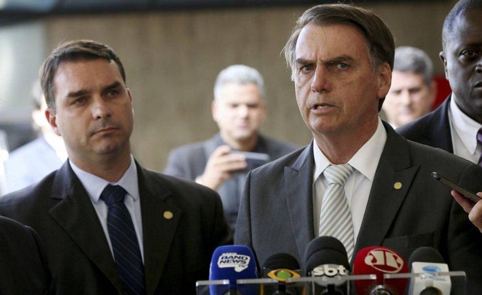 Bolsonaro joga o filho ao mar: se for provado que errou, pagará