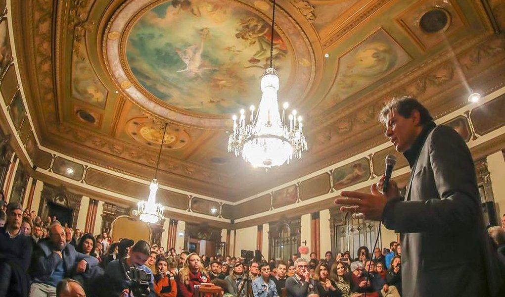 Haddad faz piada com Bolsonaro em Lisboa: vou falar um pouco mais de 6 minutos