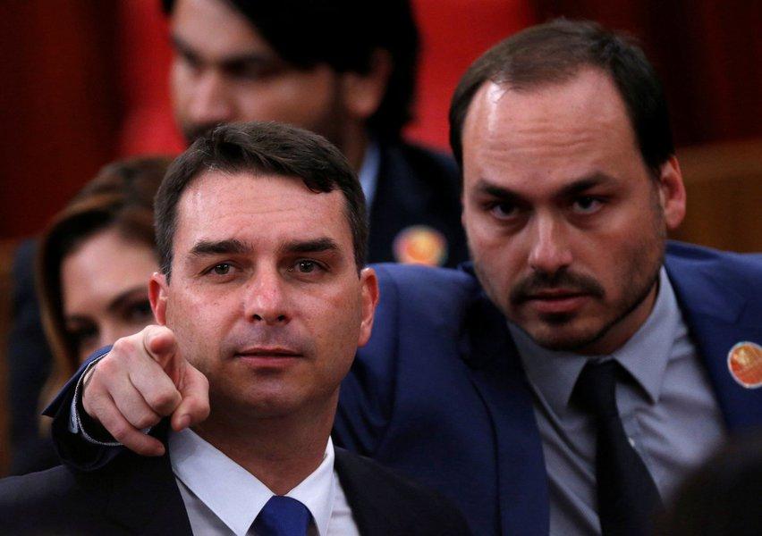 Pitbull de Bolsonaro não explica caso Queiroz e volta a atacar a mídia