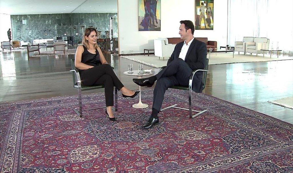 Michelle Bolsonaro defende nomeação de amiga e critica imprensa