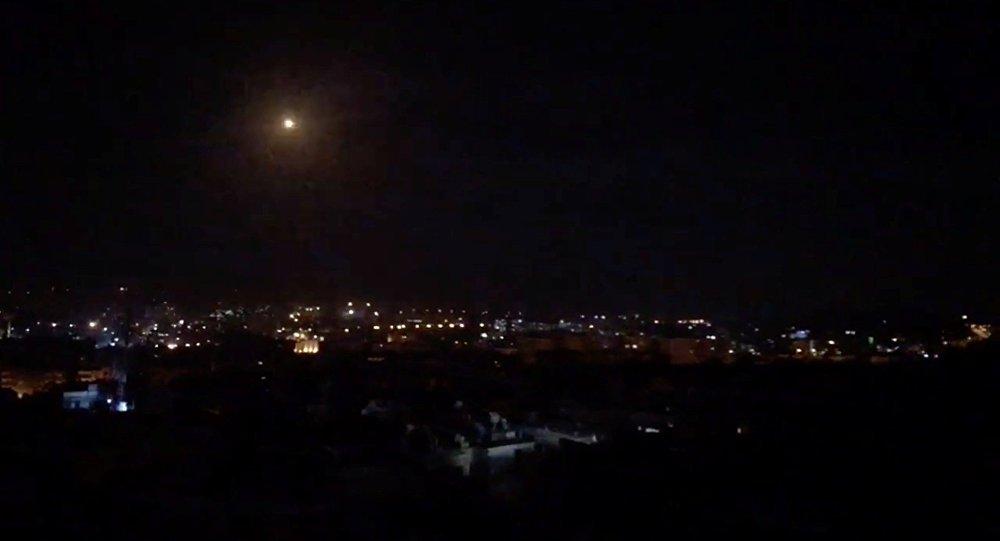 Defesa antiaérea da Síria destrói mais de 30 mísseis israelenses
