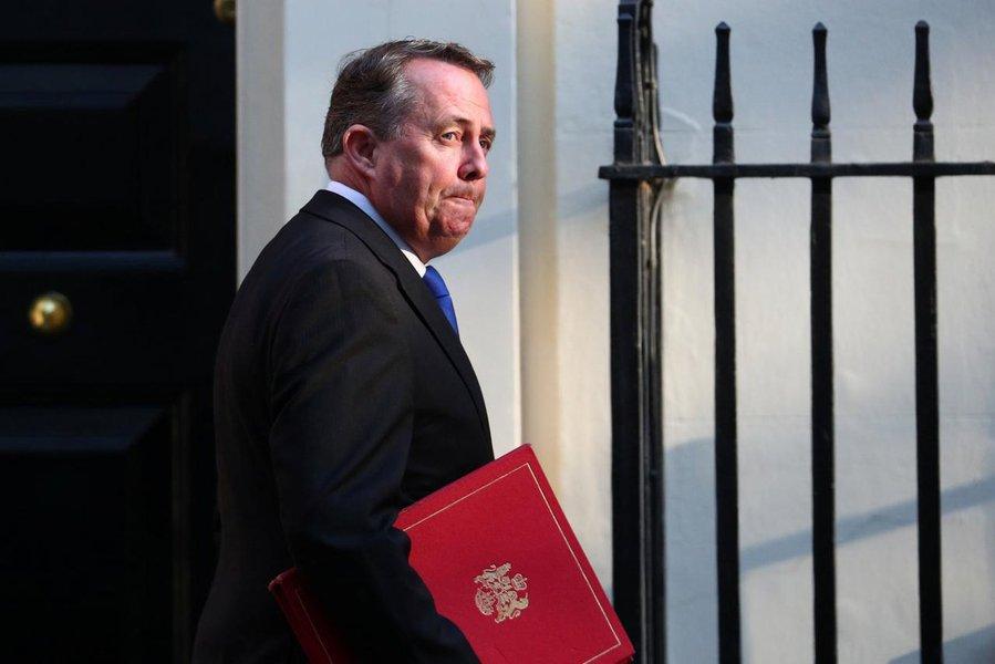 Não sequestrem o Brexit, alerta ministro a parlamento britânico