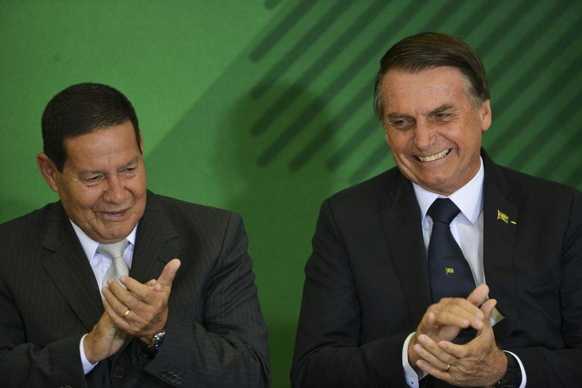 Mourão: caso de Flávio Bolsonaro não tem nada a ver com governo