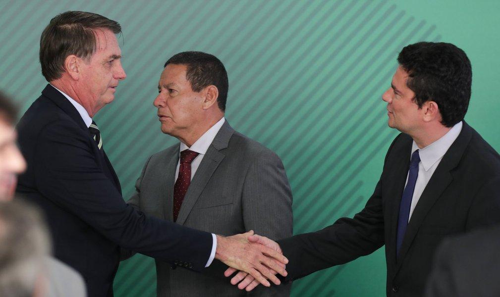 Bolsonaro é cínico e produziu decreto com 'pegadinha', diz Tijolaço